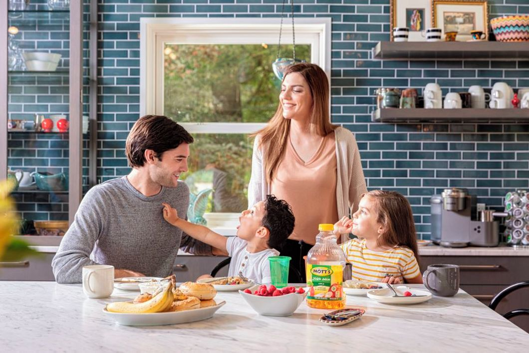 Family at home with Mott's