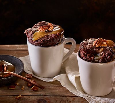 CARAMEL AND MOCHA CHOCOLATE MUG CAKE